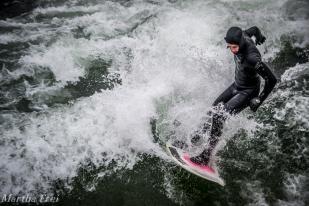 eisbach-surfer (1 von 1)-2