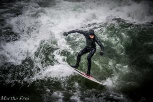 eisbach-surfer (1 von 1)-3