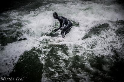 eisbach-surfer (1 von 1)-8