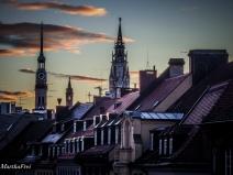 Der Turm des Oidn Peters, der Turm des Neuen Rathauses, und noch ein zierliches kleines Türmchen zwischendrin