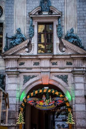 Der Eingang zum Weihnachtsdorf
