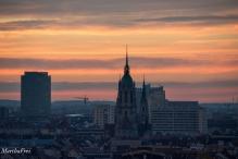 """St. Peter, die """"Wiesn-Kirche"""""""